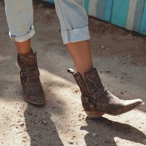 Bed Stu Brown Canada Cowboy Harness Ankle Boots